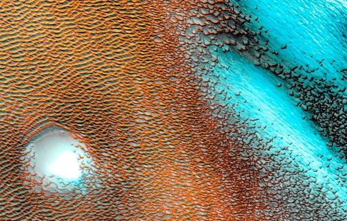 This Mars image looks unreal, and it sort of is