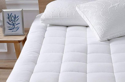 Amazon's best-selling mattress topper has 28,000 5-star ratings, and it's down to $40