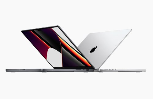 MacBook Pro with M1 Max is more powerful than a PS5, but has one huge flaw