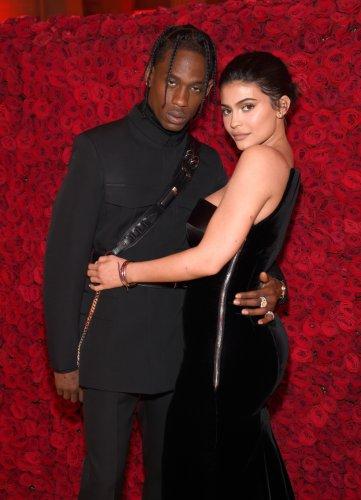 VIDEO: Kylie Jenner & Travis Scott bestätigen 2. Schwangerschaft
