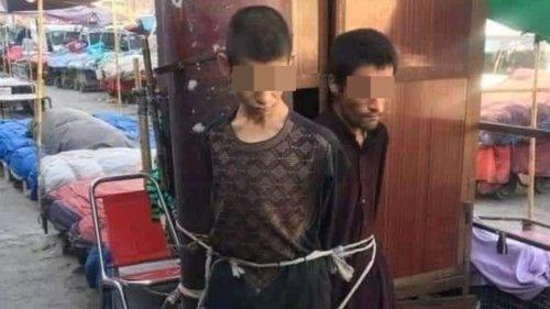Taliban fesseln Jugendliche öffentlich an Holz-Pfahl