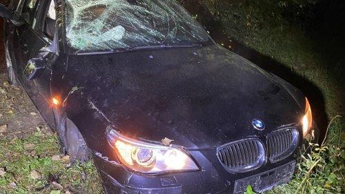 Raser (22) ohne Führerschein verliert Kontrolle über Auto