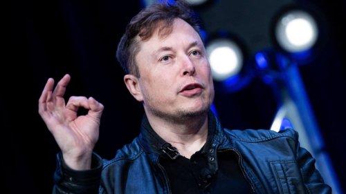 """Mitarbeiter sollen Musk einen """"großartigen Anführer"""" nennen"""