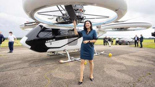 Airbus zeigt Doro Bär sein Flugtaxi