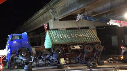 Köhlbrandbrücke  stundenlang gesperrt