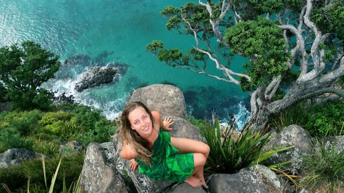Judith (25) reist BARFUSS