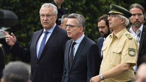 Minister Herrmann denkt