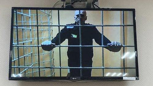Nawalny klagt erneut  gegen Haftbedingungen