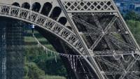 Slackliner geht 670 Meter durch die Luft