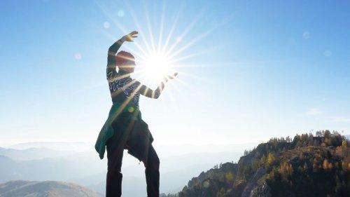 Unsere Heldenreise: Die Sonne als Symbol der Lebenskraft