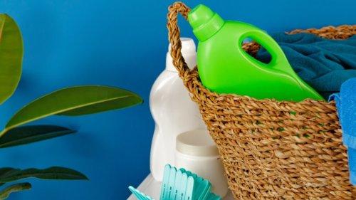 Hausarbeit leicht gemacht: Deshalb sollten Sie mal diese Tricks mit Weichspüler probieren!