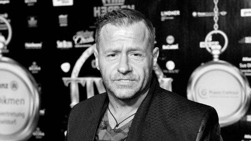 Abschied von Willi Herren: Trauerfeier in Rot-Weiß