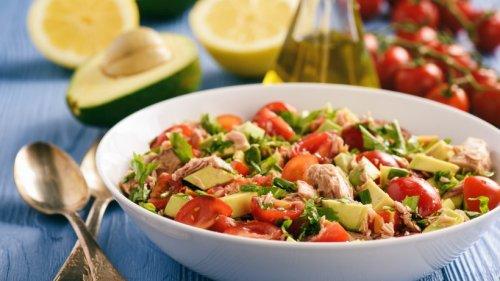 Schneller Avocado-Thunfisch-Salat für den leichten Genuss