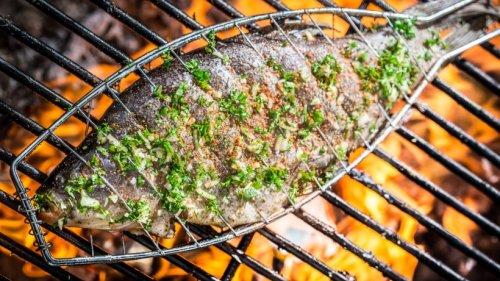 Genuss pur: Gegrillte Forelle mit französischem Gurkensalat
