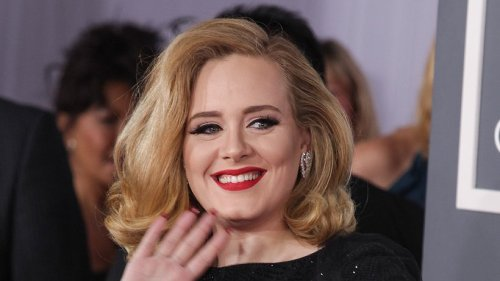 Adele feiert ihren 33. Geburtstag ungeschminkt im Netz