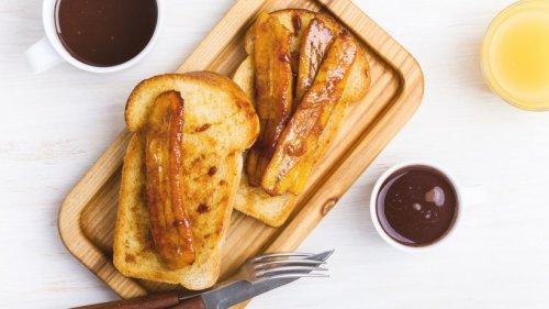 Unfassbar lecker: Süßes Toast mit karamellisierten Bananen