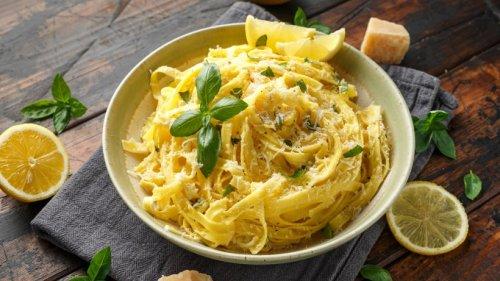 Fruchtig und cremig: Pasta al Limone mit Parmesan