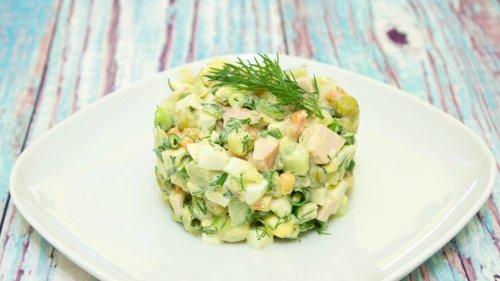 Persischer Kartoffelsalat mit Hähnchen und Erbsen
