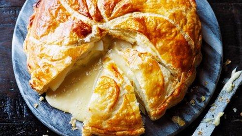Überzeugt von innen & außen: Blätterteig-Pie mit Kartoffeln und Camembert