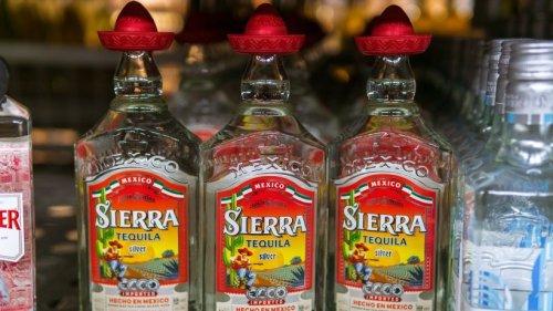 Sombrero auf Tequilaflasche: Dafür ist der Verschluss eigentlich gedacht!