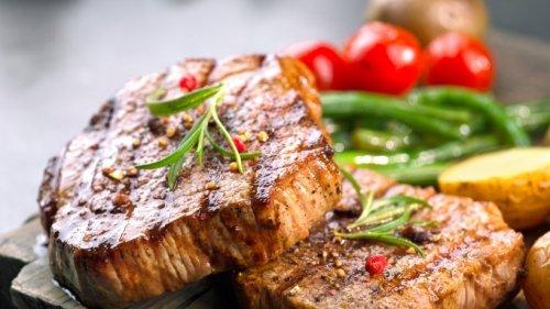 Das falsche Fett? Diese typischen Fehler beim Braten verderben Ihr Steak