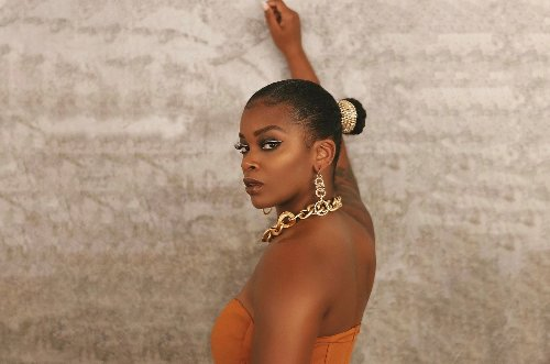 Publishing Briefs: Ari Lennox Signs With Warner, Primary Wave Acquires Sturken & Rogers Catalog