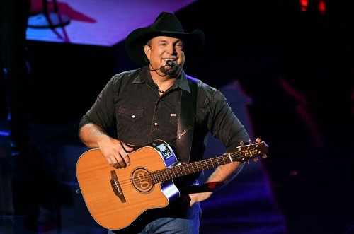 Garth Brooks Focusing on Small Venues Over Stadiums Because 'Dive Bars Are Vaccinated'
