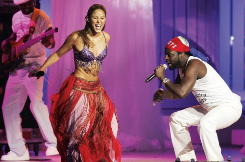 Chart Rewind: In 2006, Shakira's 'Hips Don't Lie' Hit No. 1 on the Hot 100