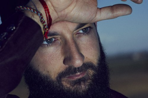 Vasco Brondi: «Scrivere canzoni non è un modo per farsi belli»