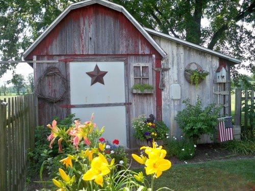 10 Backyard Garden Sheds Cute Enough to Live In