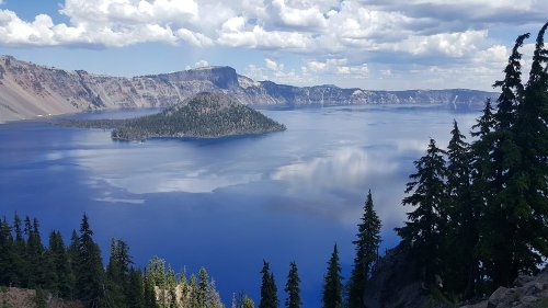Explore the Wonders of Oregon's Crater Lake