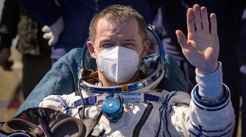 Soyuz MS-17 uzay aracıyla 1 NASA astronotu ve 2 Rus kozmonotu Dünya'ya döndü