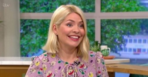 Holly Willoughby divides women with sleeping habit confession