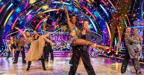 One of Strictly's unvaccinated pros has decided to get Covid-19 vaccine