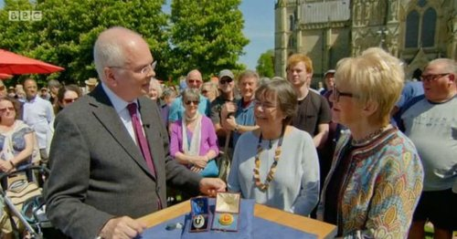 BBC Antiques Roadshow guest floored by ludicrous valuation of jewellery