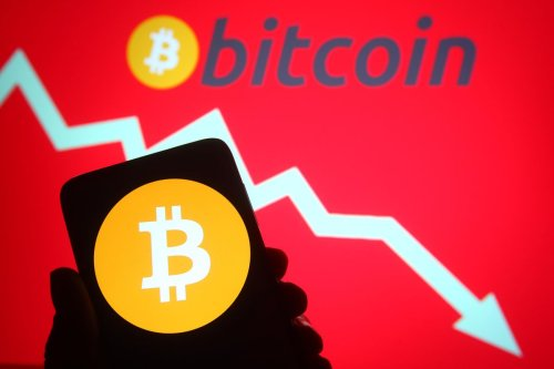 Crypto Crash Trends On Twitter As Bitcoin Falls Below $30,000