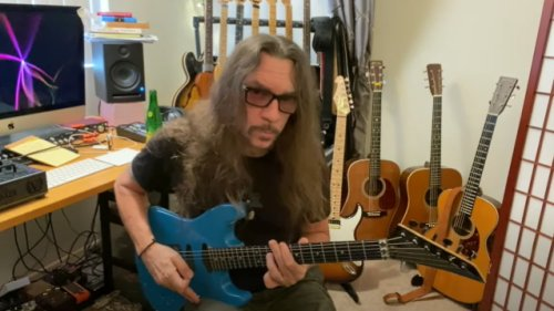 SKID ROW's SCOTTI HILL Teaches You How To Play 'Wasted Time' Guitar Solo (Video)