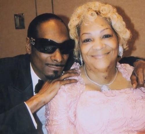 "Prayers Up! Snoop Dogg's Mom Hospitalized: ""She's Still Fighting"""