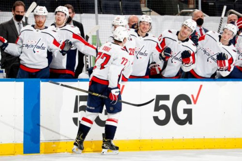 Video: Capitals' T.J. Oshie Records Hat Trick in 1st Game After Father's Death