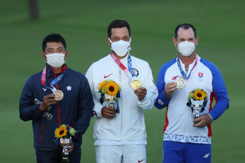 USA's Xander Schauffele Wins Men's Golf Gold Medal at 2021 Tokyo Olympics