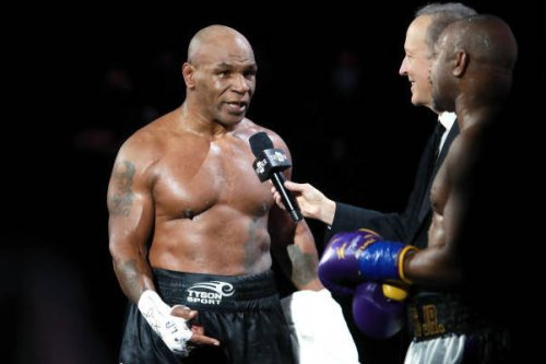Mike Tyson: Jake Paul Would Get Beat Up 'Pretty Bad' in Floyd Mayweather Jr. Fight
