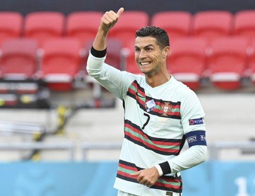 Cristiano Ronaldo Becomes 1st Person to Reach 300M Instagram Followers