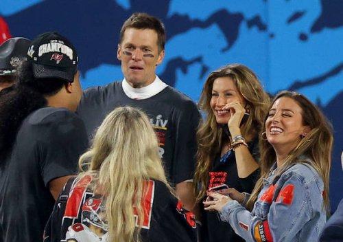Buccaneers' Tom Brady, Wife Gisele Bundchen Buy 77-foot Superyacht Worth $6M