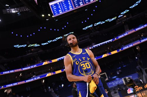 Warriors' Stephen Curry Doesn't Think Play-in Tournament Will Exist in 82-Game Season