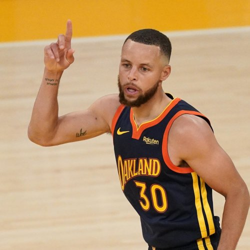 Warriors' Stephen Curry Relaunching 'Underrated' Tour for 3-Star CBB Recruits
