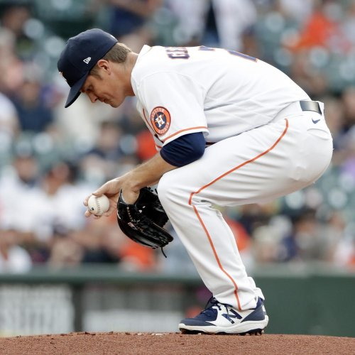 Video: Watch Astros' Zack Greinke Throw 51 MPH Pitch to Tigers' Renato Nunez