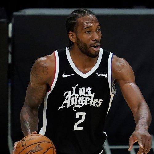Woj: Clippers Hopeful Kawhi Leonard Injury Isn't Severe; SF May Miss Playoffs