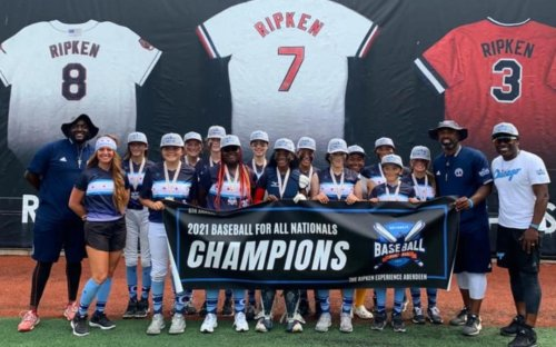 Humboldt Park Gators, Chicago's Only All-Girls Baseball Team, Win National Title: 'Just Amazing'