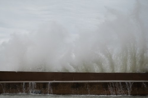 'Extremely Dangerous' 16-Foot Waves Possible At Chicago Beaches Wednesday