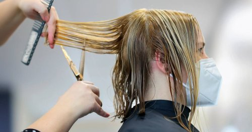 Toronto hair salon bans customers from even talking about vaccinations